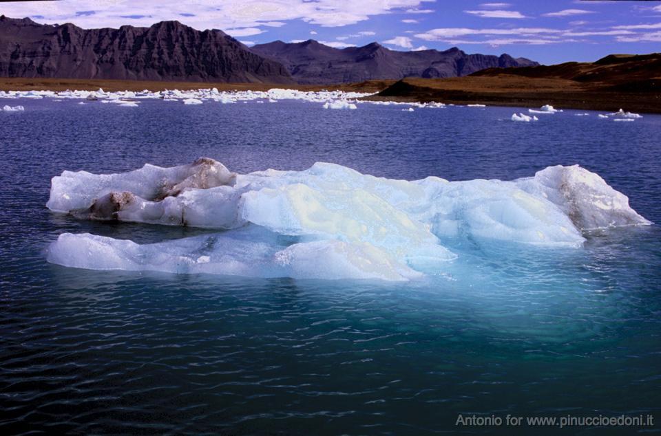 ISLANDA Meraviglie della natura 172R97-544 Pin.jpg