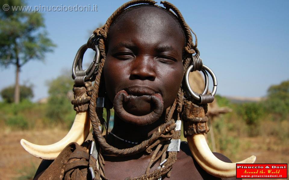 2 Etiopia 2009/Ethiopia - Tribu etnia Mursi - 30 - Labbra senza piattello  labiale